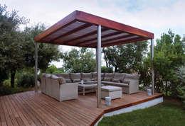 Sofa Sedona: Jardín de estilo  de  Alaire