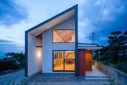 eclectische Huizen door  スタジオアウラ一級建築士事務所