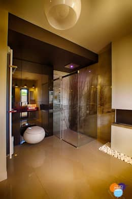 Ванные комнаты в . Автор – Studio Projektowe Projektive