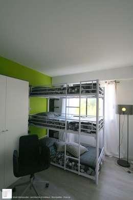 Appartement à Cannes meublé entièrement par wm: Chambre d'enfant de style de style Moderne par WM