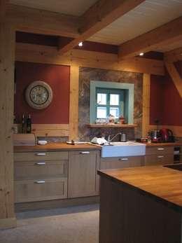 country Kitchen by Pracownia Tutaj