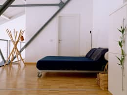 Loft Bianco - Paola Maré Interior Designer: Camera da letto in stile in stile Industriale di Paola Maré Interior Designer