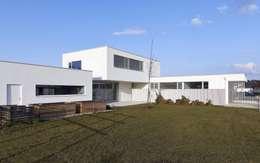Haus W: moderne Häuser von POPPE*PREHAL ARCHITEKTEN ZT GmbH