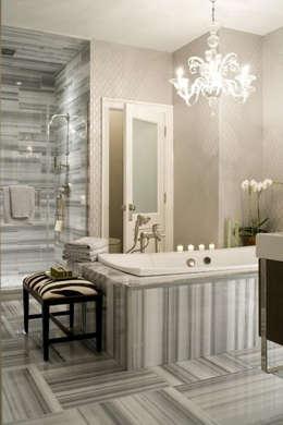 Baños de estilo  por Marmi di Carrara