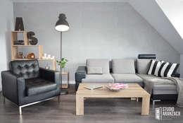 scandinavian Living room by Studio Aranżacji Agnieszka Adamek