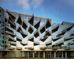 Case in stile in stile Moderno di BIG-BJARKE INGELS GROUP