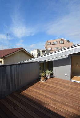 アトリエKUKKA一級建築士事務所/ atelier KUKKA  architects 의  복도 & 현관