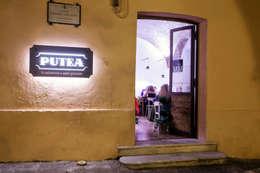 esterno ed ingresso: Gastronomia in stile  di Casaburi & Memoli Architetti