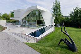 Haus am Weinberg: minimalistische Huizen door UNStudio