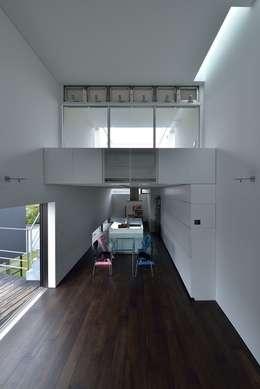 MO-HOUSE: 株式会社長野聖二建築設計處が手掛けたダイニングです。