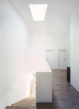 Projekty, klasyczne Domy zaprojektowane przez Nussmüller Architekten ZT GmbH