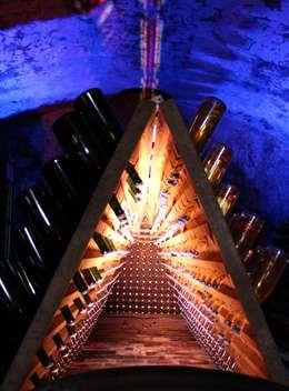 Lichtinstallation zum Tag des offenen Weinkellers auf dem Weingut Johanninger 2015:  Veranstaltungsorte von Lichtlandschaften