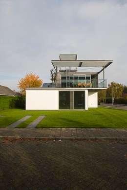 modern Houses by Archipelontwerpers