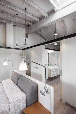 Hogar de estilo  por dom arquitectura