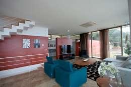 HANDE KOKSAL INTERIORS – House C3 - C3 Evi: modern tarz Oturma Odası