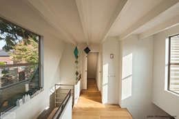 Woonhuis Austerlitz: landelijke Huizen door Naked Architecture