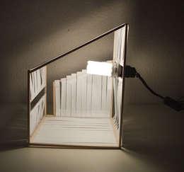 Lampe en papier: Salon de style de style Minimaliste par Sophie Farines
