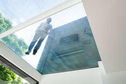 Pasillos y recibidores de estilo  por Lipton Plant Architects