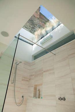 Projekty,  Łazienka zaprojektowane przez Lipton Plant Architects