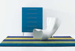 modern Living room by SILVERA