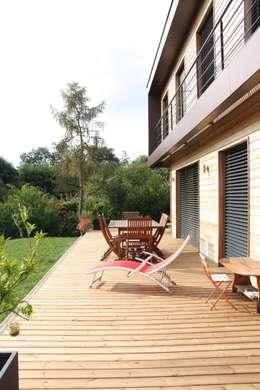 La terrasse: Maisons de style de style Moderne par Atelier d'Architecture Marc Lafagne,  architecte dplg