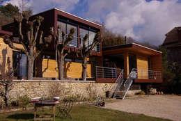 Façade Sud, coté jardin et Seine: Maisons de style de style Moderne par Atelier d'Architecture Marc Lafagne,  architecte dplg