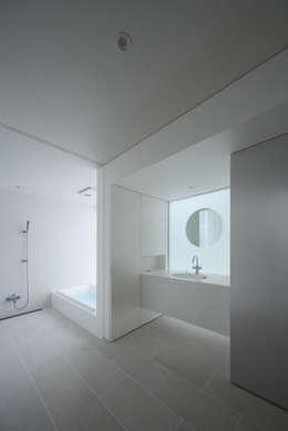 Projekty,  Łazienka zaprojektowane przez ソルト建築設計事務所