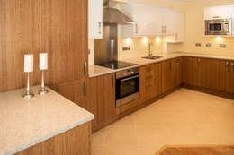 modern Kitchen by Lujansphotography