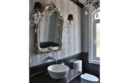 Aykuthall Architectural Interiors – BANYO: modern tarz Banyo