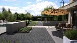 Villatuin Rotterdam: moderne Tuin door ERIK VAN GELDER | Devoted to Garden Design