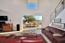 MAISON CONTEMPORAINE: Maisons de style de style Moderne par JOSE MARCOS ARCHITECTEUR