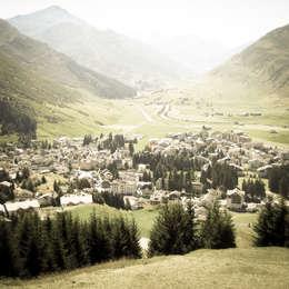 CHALET SWISS ANDERMATT: Hotel in stile  di Masseria Alchimia