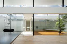 Habitações  por TNdesign一級建築士事務所