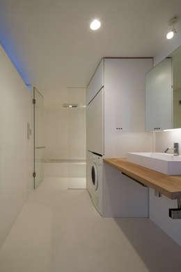 minimalistic Bathroom by TNdesign一級建築士事務所