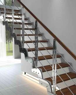 Pasillos, vestíbulos y escaleras  de estilo  por Rintal