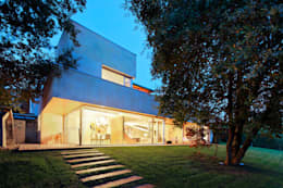 Hoz Fontan Arquitectos: modern tarz Evler