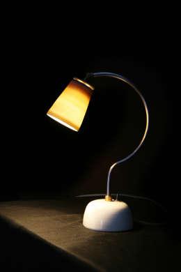 ein mix aus materialien - Coole Nachttischlampen