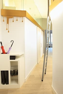 PISO SANTPERE47: Pasillos y vestíbulos de estilo  de Miel Arquitectos