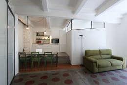 Abitazione a San Salvario:  in stile  di diegogiovannenza architetto
