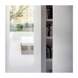 Salas / recibidores de estilo  por Gianni Botsford Architects