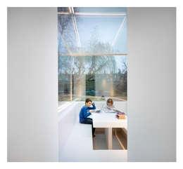 Anexos de estilo  por Gianni Botsford Architects