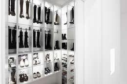 Vestidores de estilo  por HOME Schlafen & Wohnen GmbH