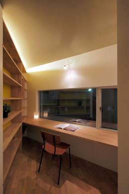 Projekty, nowoczesne Domy zaprojektowane przez アトリエ スピノザ