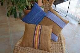 FBG'CREATIONS - Coussins couleurs d'Afrique: Salon de style de style Colonial par fbg.creations