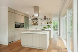 moderne Keuken door Cubus Projekt GmbH