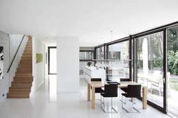 Projekty,  Jadalnia zaprojektowane przez THOMAS BEYER ARCHITEKTEN