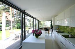 Projekty,  Kuchnia zaprojektowane przez THOMAS BEYER ARCHITEKTEN