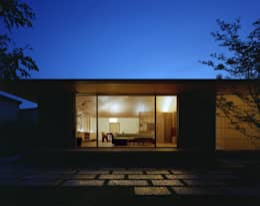 Projekty, nowoczesne Domy zaprojektowane przez 柳瀬真澄建築設計工房 Masumi Yanase Architect Office
