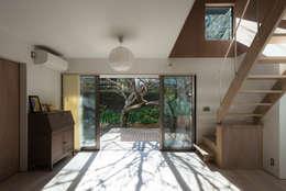 ห้องนั่งเล่น by 白子秀隆建築設計事務所