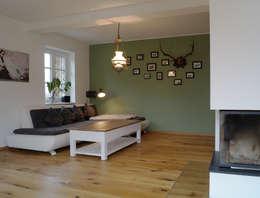 Cactus Architekten: modern tarz Oturma Odası
